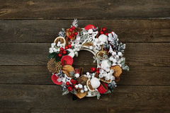 Guirlande de Noël sur la trappe Image libre de droits