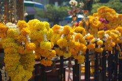 Guirlande de souci pour Bouddha royal Images libres de droits