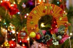 Guirlande fabriquée à la main de Noël de métier Photos stock