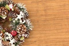 Guirlande sensible de Noël des cônes de pin Photo stock