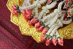 Guirlande thaïlandaise, pour le mariage thaïlandais sur le plateau d'or Images libres de droits