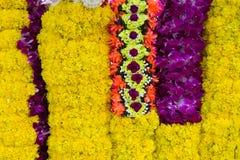 Guirlandes de fleur pour la cérémonie religieuse indoue Photographie stock libre de droits