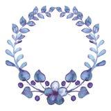 Guirnalda con las bayas de la acuarela, Violet Flowers And Leaves Foto de archivo libre de regalías