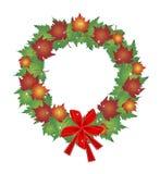 Guirnalda de la Navidad de hojas de arce y de arcos del rojo Foto de archivo libre de regalías