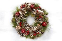 Guirnalda de la Navidad en el fondo blanco Foto de archivo