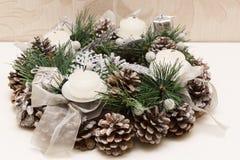 Guirnalda de la Navidad de las ramificaciones del abeto Imágenes de archivo libres de regalías