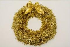 Guirnalda de la Navidad de los conos y de las manzanas, decoraciones del ` s del Año Nuevo Imagenes de archivo