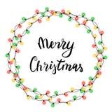 Guirnalda de la secuencia del árbol de navidad en la forma y las letras del círculo aisladas en el fondo blanco La Navidad realis Foto de archivo libre de regalías