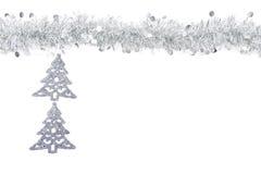 Guirnalda de plata gris de la Navidad con los árboles de plata en el fondo blanco Fotos de archivo libres de regalías