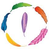 Guirnalda de plumas dibujadas mano colorida fotografía de archivo