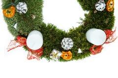 Guirnalda del advenimiento de la Navidad con las velas Imágenes de archivo libres de regalías