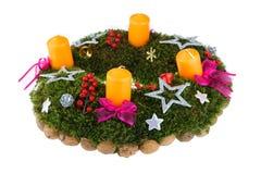 Guirnalda del advenimiento de la Navidad con las velas Imagen de archivo