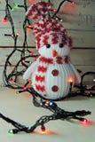 Guirnalda del muñeco de nieve y de la Navidad Fotos de archivo libres de regalías