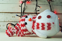 Guirnalda del muñeco de nieve y de la Navidad Fotos de archivo