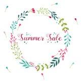 Guirnalda floral de la venta del verano con los elementos dibujados mano Fotografía de archivo libre de regalías