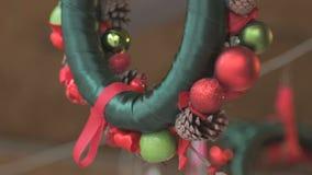 Guirnalda hermosa de Chistmas en venta almacen de metraje de vídeo