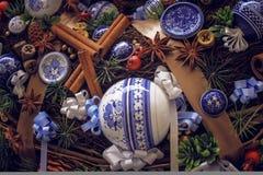 Guirnalda hermosa de la Navidad, decoración festiva del Año Nuevo Foto de archivo