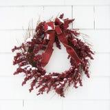 Guirnalda roja. foto de archivo