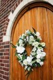 Guirnalda Wedding en puerta Fotos de archivo