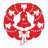 Guirnalda y campana rojas de la Navidad foto de archivo libre de regalías
