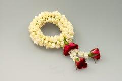 Guirnalda y rosas del jazmín Fotos de archivo libres de regalías