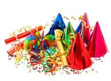 Guirnaldas, bobinador de cintas en modo continuo, sombreros del partido y confeti Decoración festiva Fotografía de archivo libre de regalías