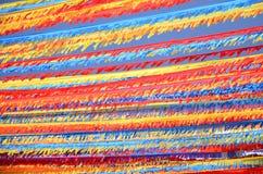 Guirnaldas coloridas contra el cielo azul en la isla de Tenerife Imagenes de archivo