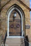 Guirnaldas cuaresmales en Grace Lutheran Church Doors, Springfield, IL Foto de archivo libre de regalías