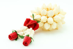 Guirnaldas de las flores hechas del fondo blanco del jabón aislado Imagen de archivo libre de regalías