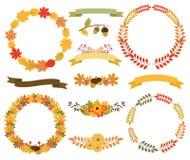 Guirnaldas de las hojas de otoño Marcos redondos, banderas de la cinta Imagen de archivo