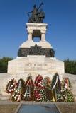Guirnaldas en el monumento sanitario de los héroes Fotos de archivo
