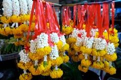 Guirnaldas tailandesas en el mercado Foto de archivo libre de regalías