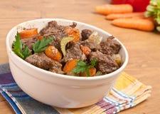 Guisado de carne com aipo e cenoura Foto de Stock