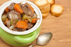 Guisado de carne com aipo e cenoura Fotos de Stock Royalty Free