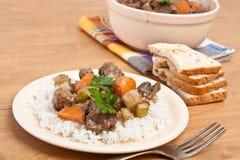 Guisado de carne com aipo e cenoura Imagens de Stock Royalty Free
