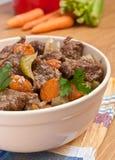 Guisado de carne com aipo e cenoura Fotos de Stock