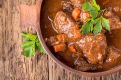 Guisado de carne com cenoura fotografia de stock royalty free