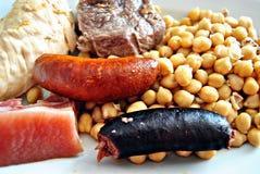 Guisado do grão-de-bico com salsicha Foto de Stock Royalty Free