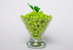 Guisantes verdes preservados Fotos de archivo