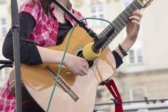 guitar playing woman Στοκ Εικόνες