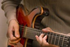 Guitare électrique en gros plan Photos stock