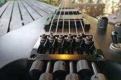 Guitare électrique Fin vers le haut Guitare électrique arrière Images libres de droits