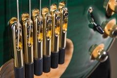 Guitare électrique verte de malachite strings image libre de droits