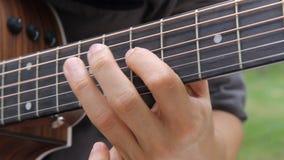 Guitare acoustique soloe clips vidéos