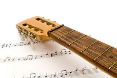 Guitare avec des notes Photographie stock