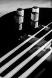 Guitare basse noire classique illustration libre de droits
