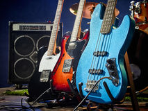 Guitare basse, rythme, avance Images libres de droits