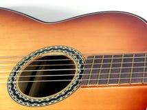 Guitare classique en bois photographie stock libre de droits