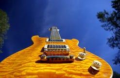 Guitare d'érable d'oreiller Images libres de droits