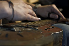 Guitare de bleus photographie stock libre de droits